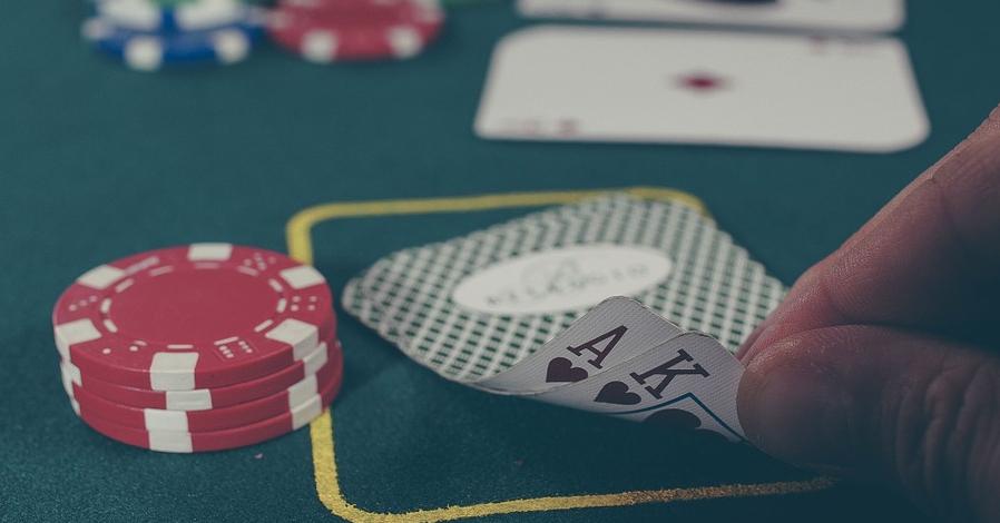 Bästa pokersajterna 2021 med svensk licens